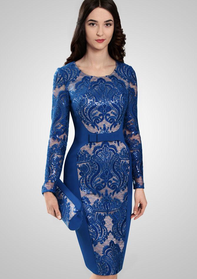 Синее платье с акцентом на талии