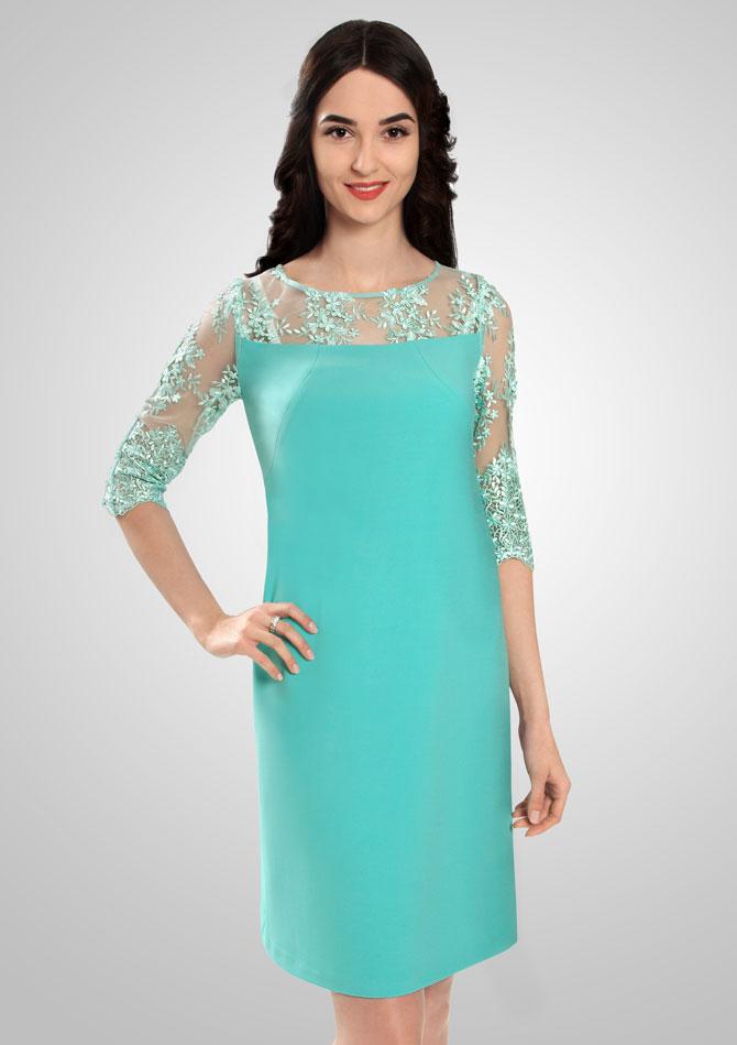 Полуприталенное платье бирюзового цвета