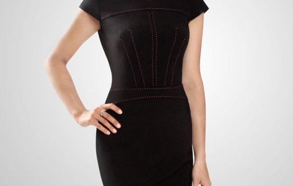 Черное платье с декоративной отстрочкой